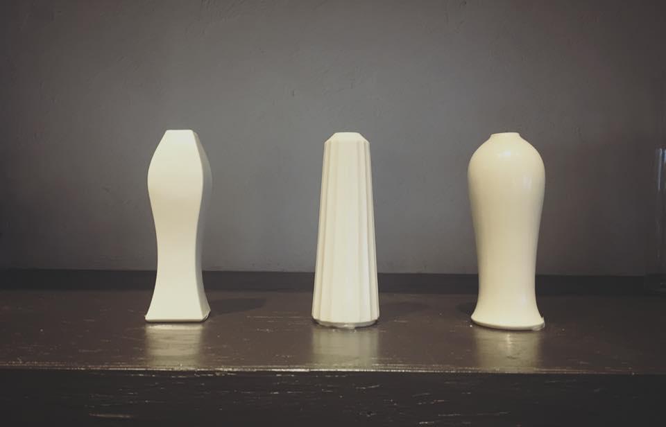 静かな佇まい「JICON」の花瓶